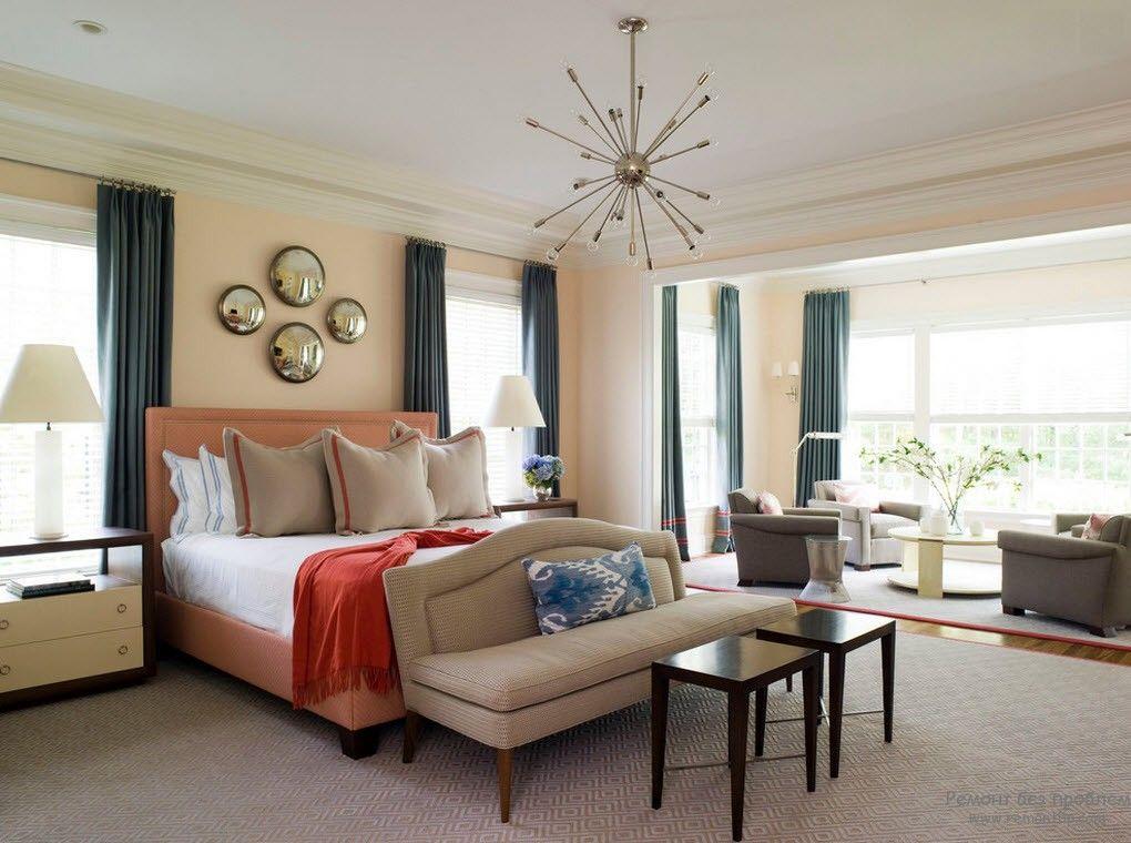 Акценты в персиковой спальне