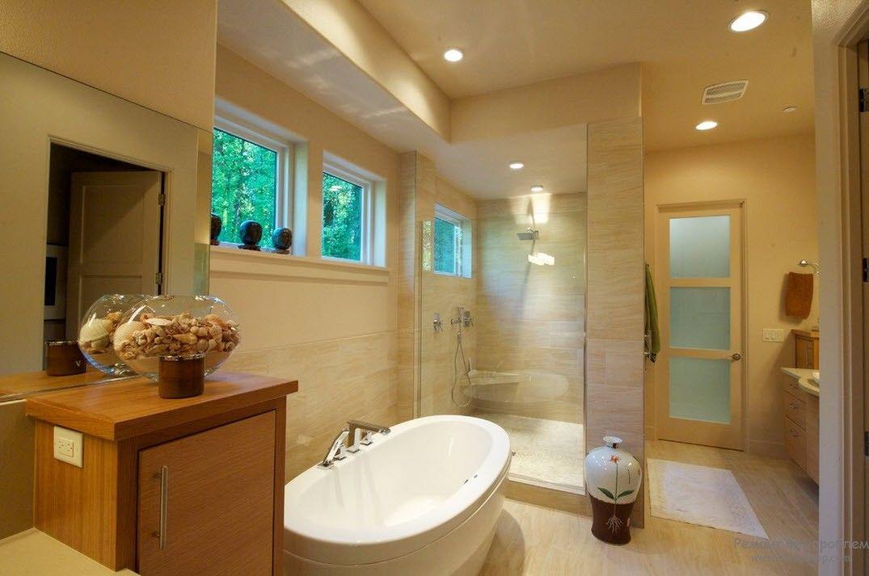 Ваза с ракушками в ванной