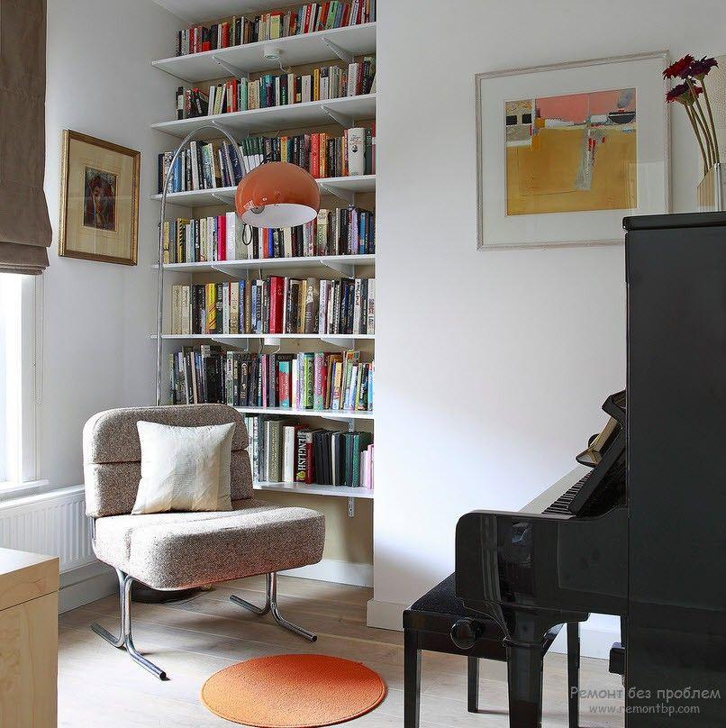Ниша, приспособленная для размещения книжных полок