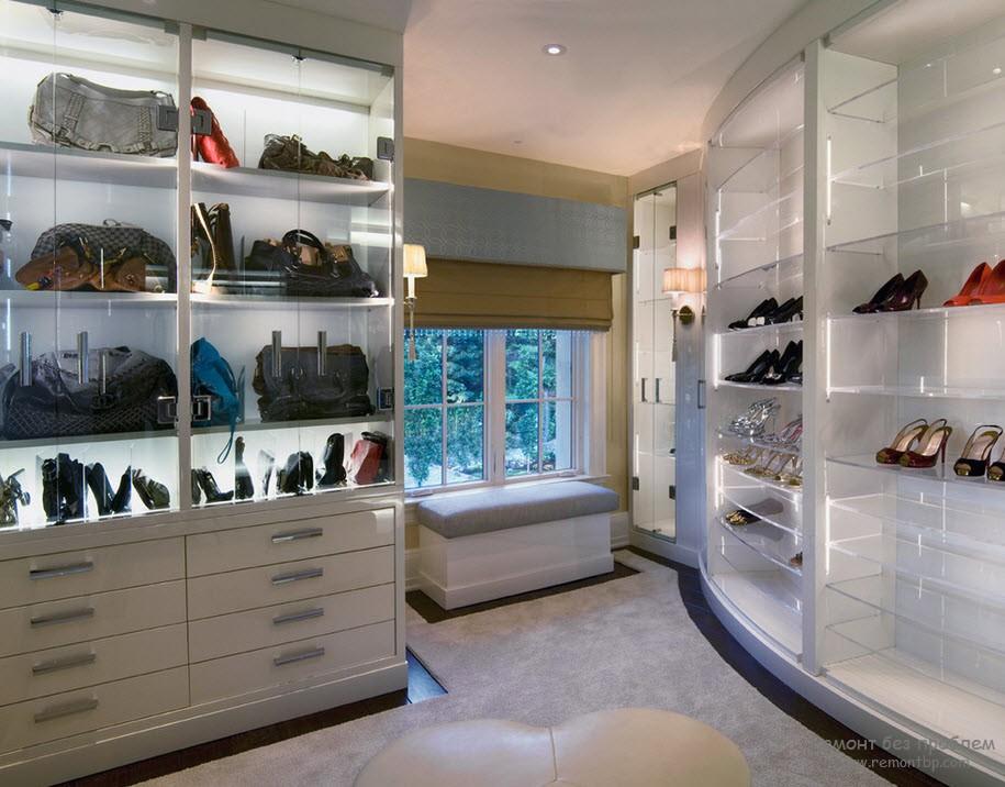 Радианный шкаф