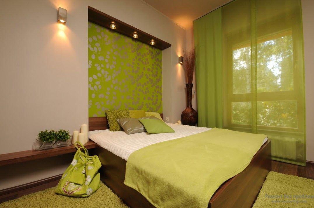 Спальня в оливковых тонах в сочетании с темно-коричневым
