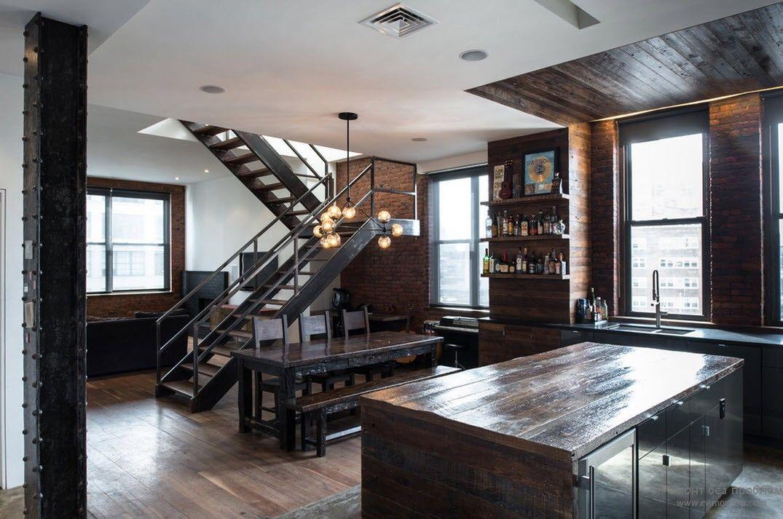Лестница чудесно вписывается в общий интерьер помещения