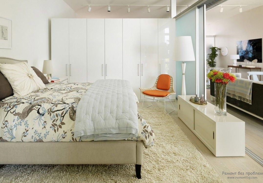 Современная мебель в интерьере спальни