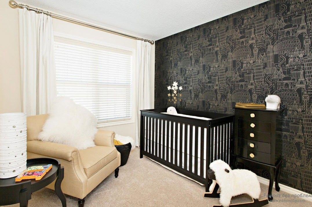 Черные только одна стена и мебель