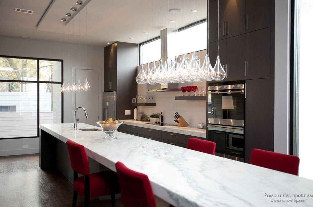 Стекло в современной кухне