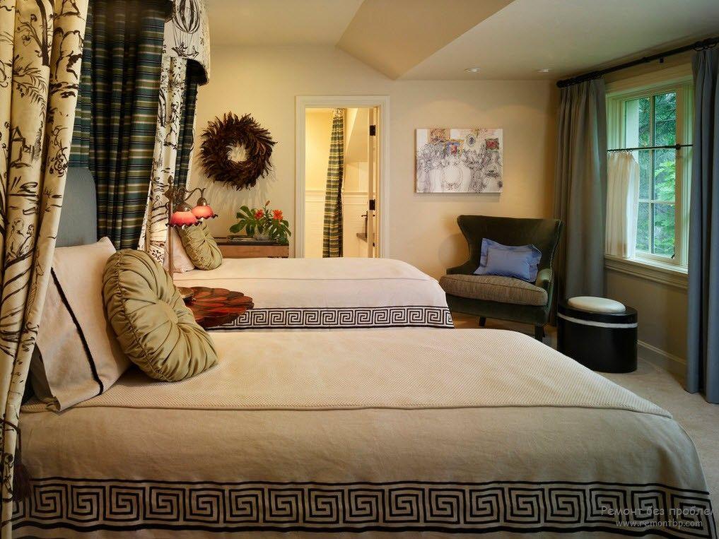 Красивая детская комната с параллельным расположением кроватей