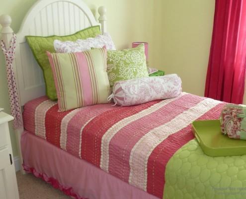 Спальня. Сочетание зеленого с красным
