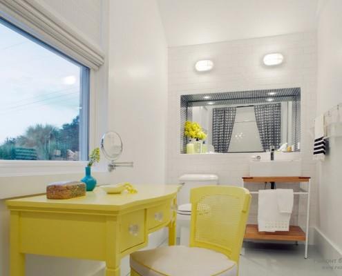 Стол и стул желтые