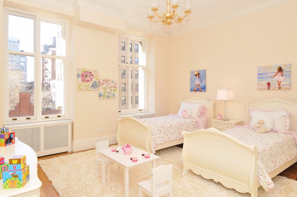 Картины в комнате двойняшек: детская непосредственность