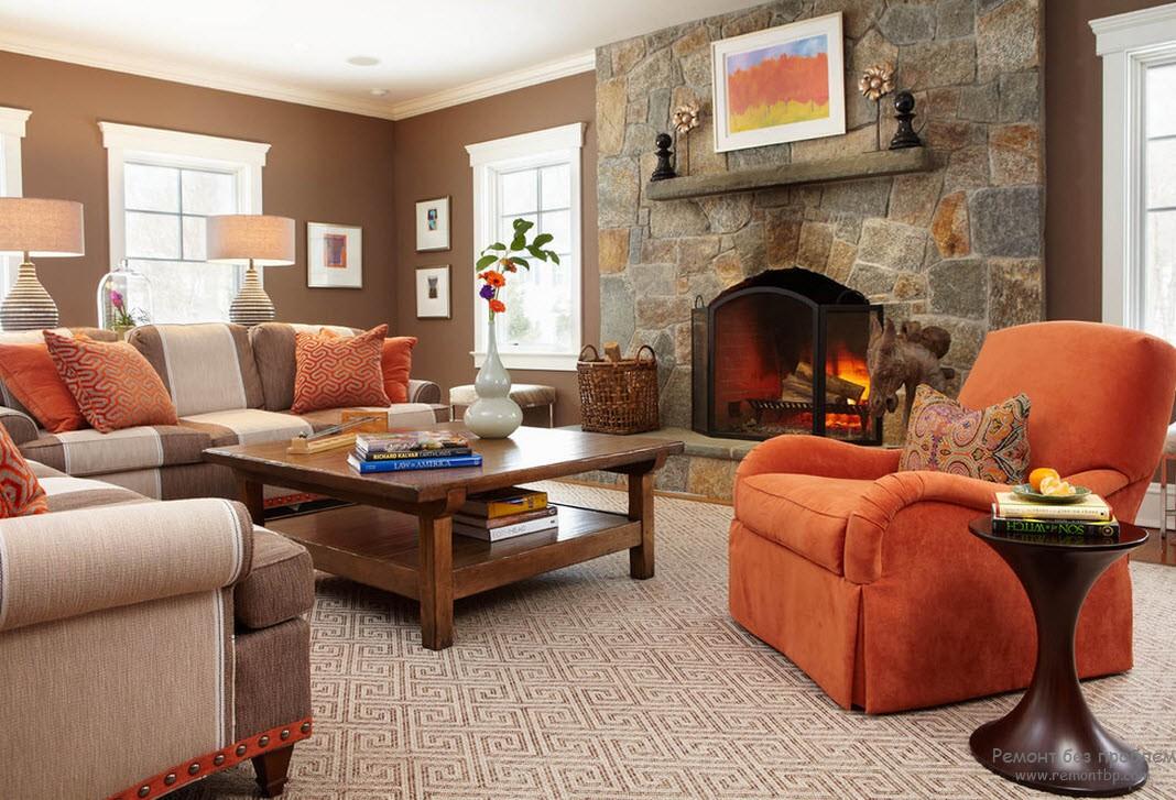 Коричнево-оранжевая гостиная