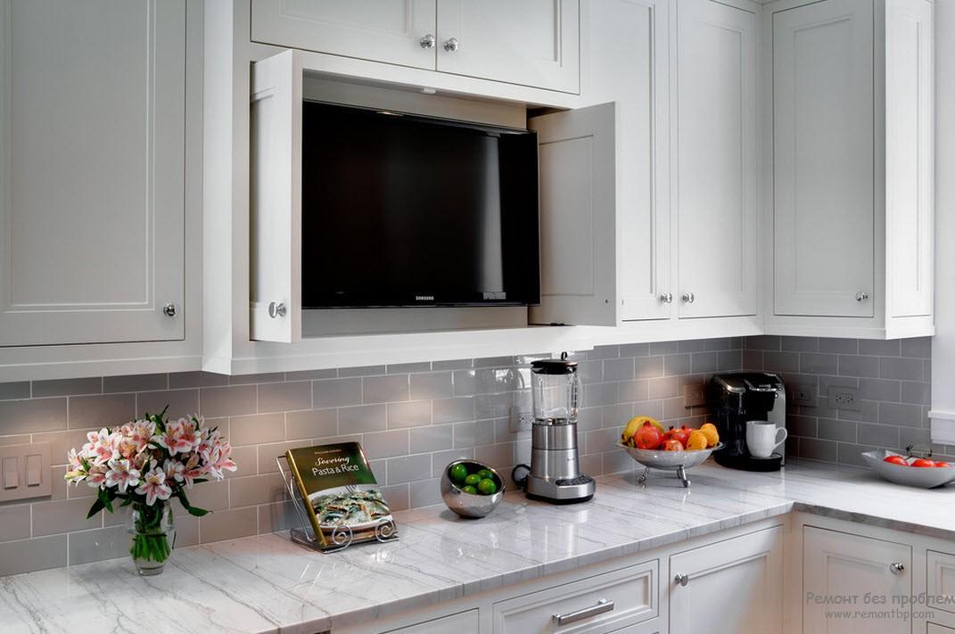 ТВ на кухне