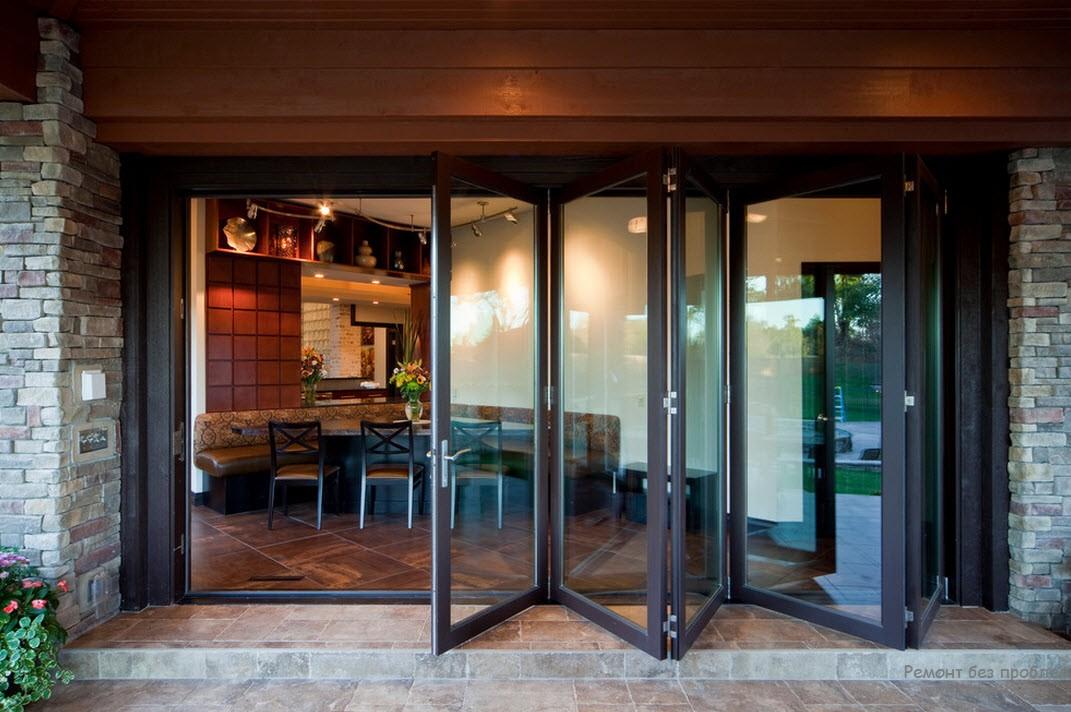 Дверь-гармошка - оригинальное решение в интерьере