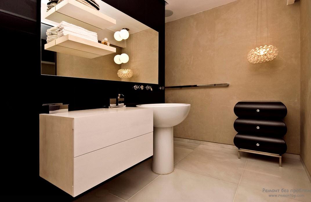 Черно-белый интерьер ванной комнаты с оштукатуренными стенами