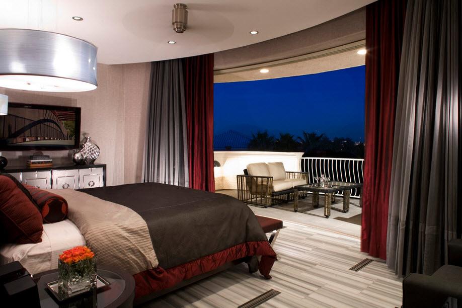 Балкон и спальня