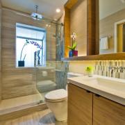 Уютная атмосфера в туалетной комнате