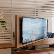ТВ на 2 комнаты