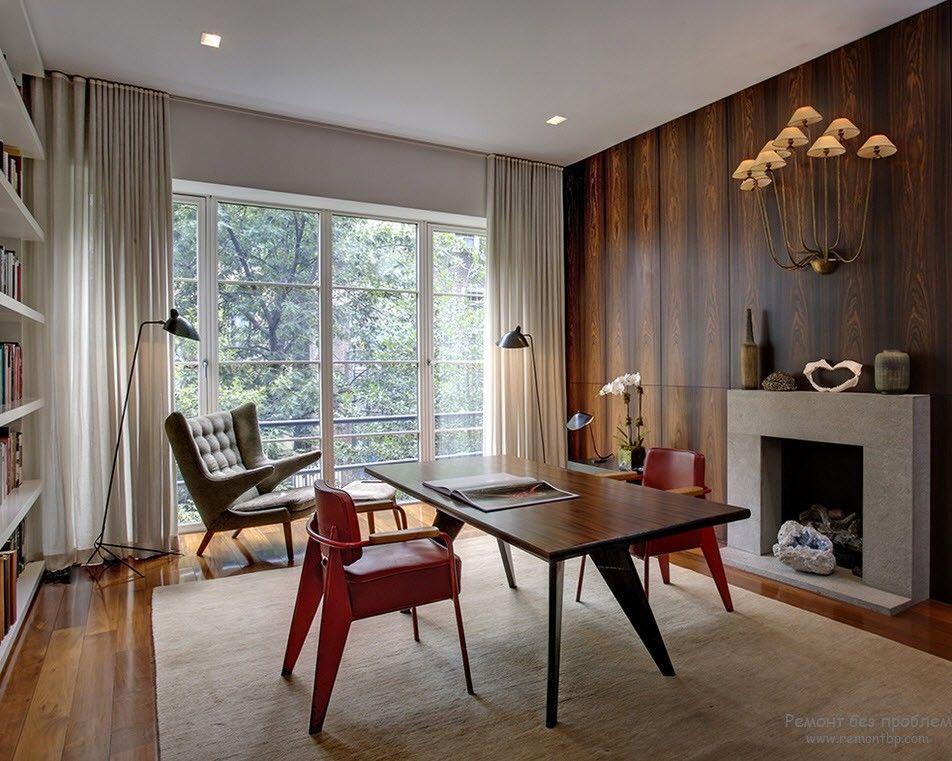 Современный интерьер с дизайнерскими креслами
