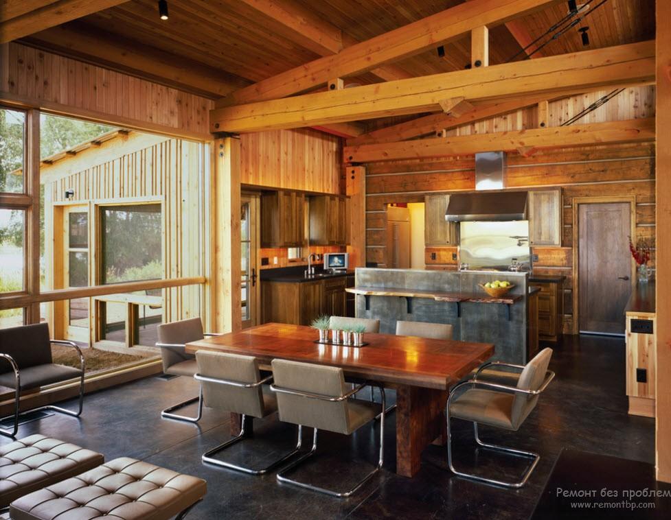 интерьер кухни в деревянном коттедже