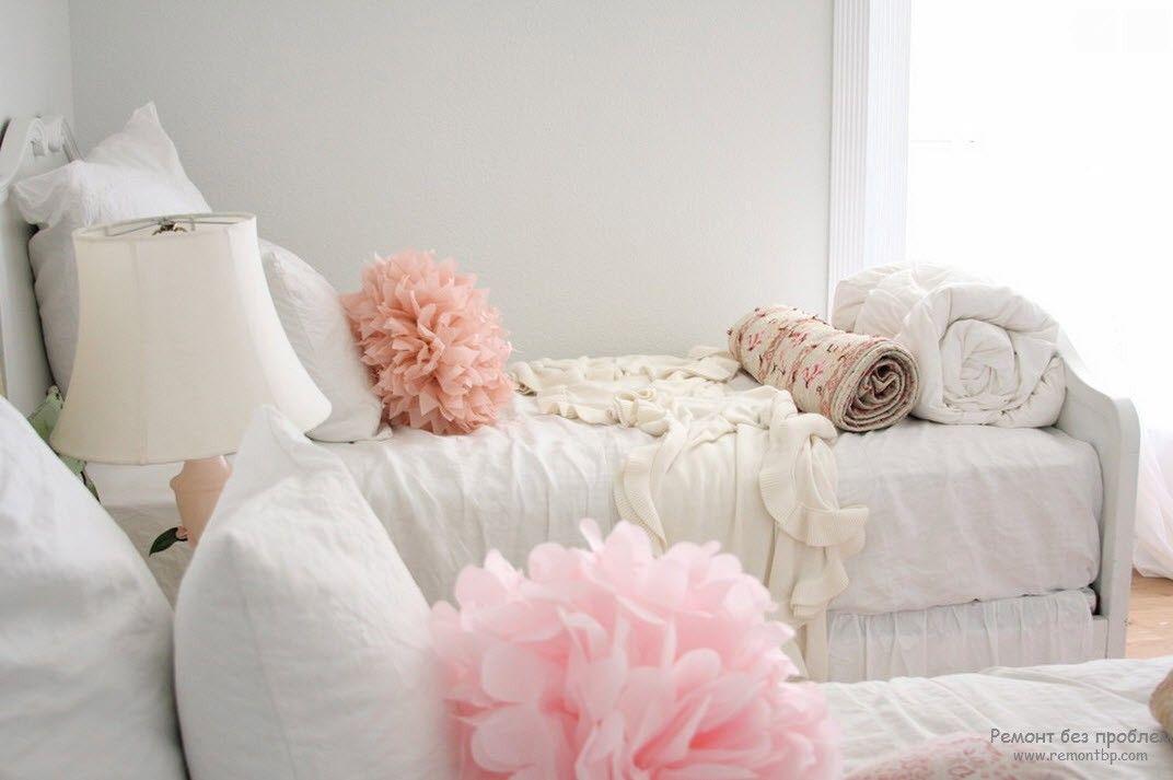Розовые аксессуары