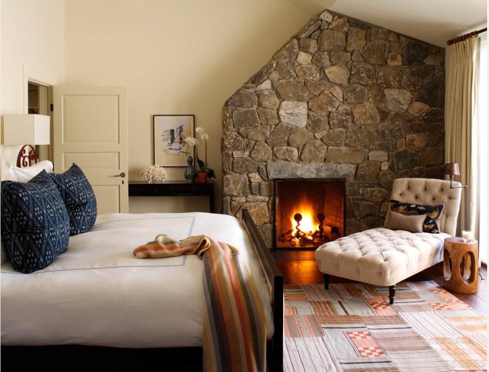 Комфортное ложе в уютной спальне