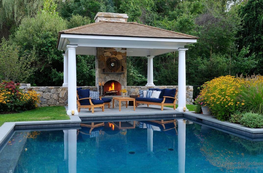 Уютный двор с барбекю электрокамин г самара