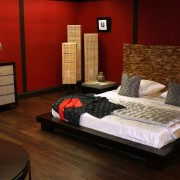 Красная восточная спальня