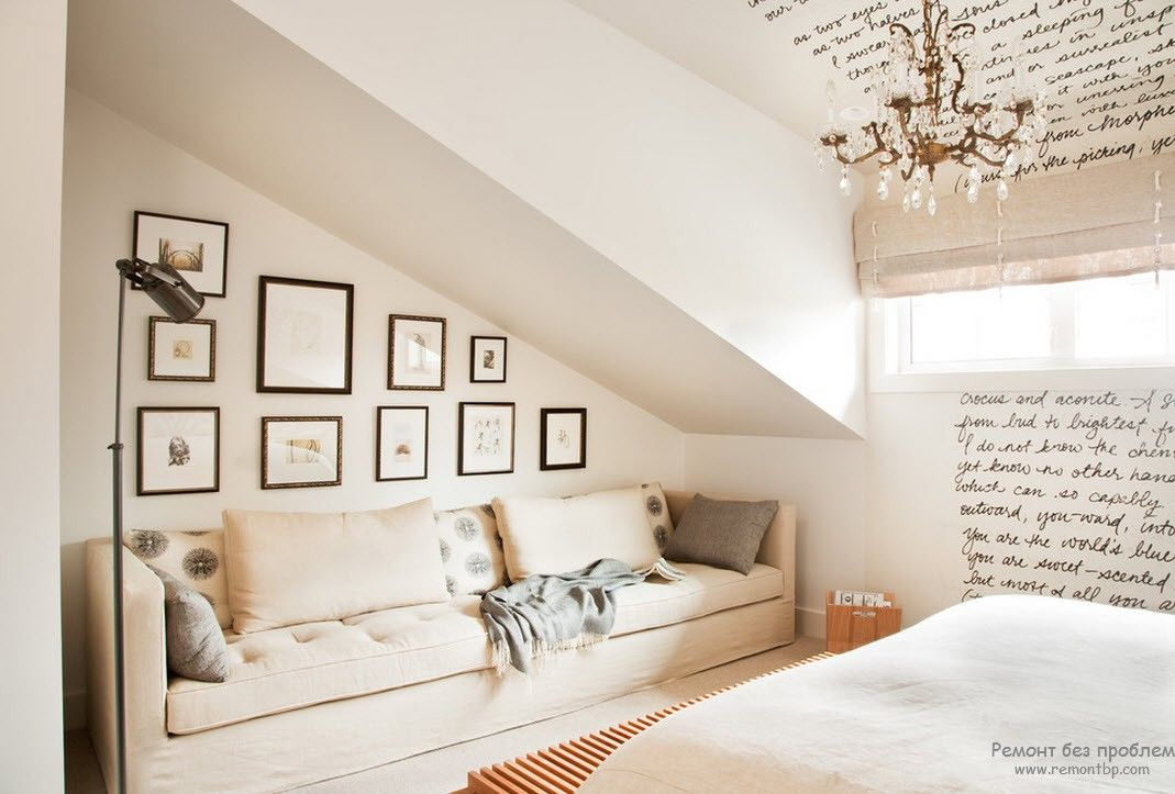 Спальня и картины