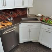 Угловая кухня в хрущевке №2
