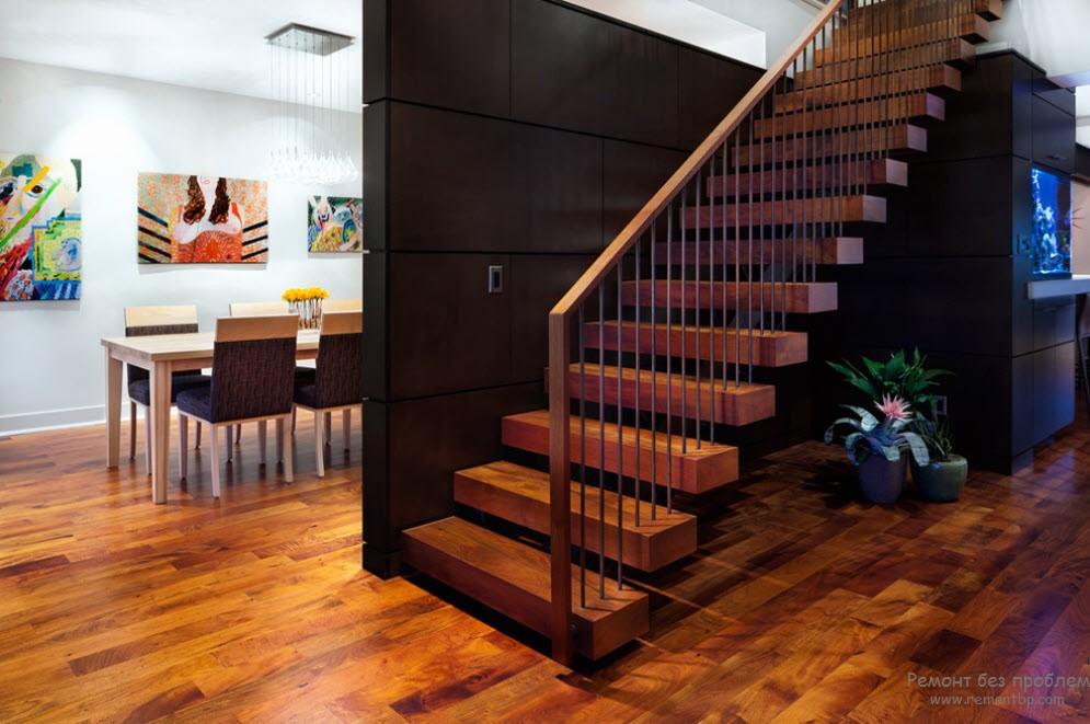 Облегченный вариант деревянной лестницы с разделением ступеней