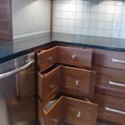 Маленькая угловая кухня №6