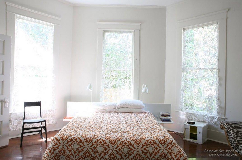 Спальня в солнечном свете