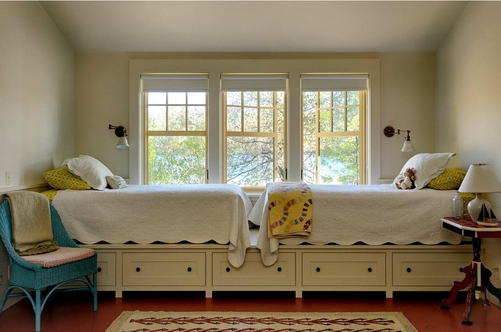 Кровати у окна своими руками 49