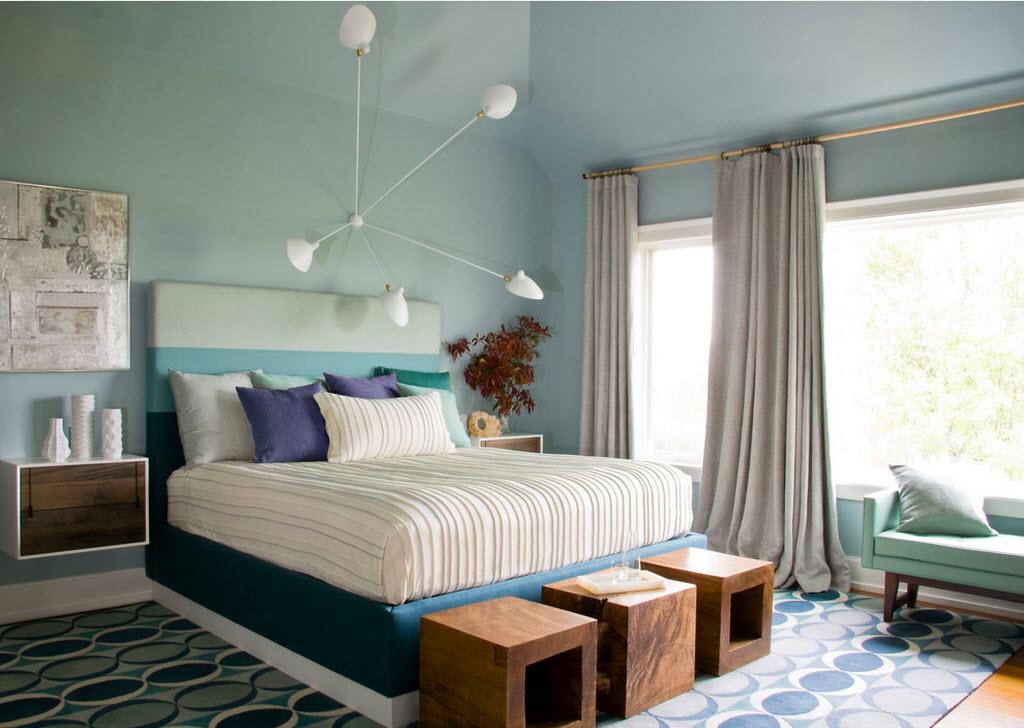 Кровать с удобной спинкой - комфортное место для чтения