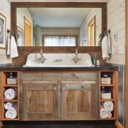Дачная ванная комната из дерева