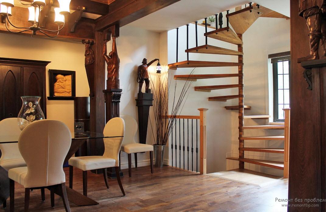 Лестница второстепенного характера, прекрасно гармонирующая с интерьером