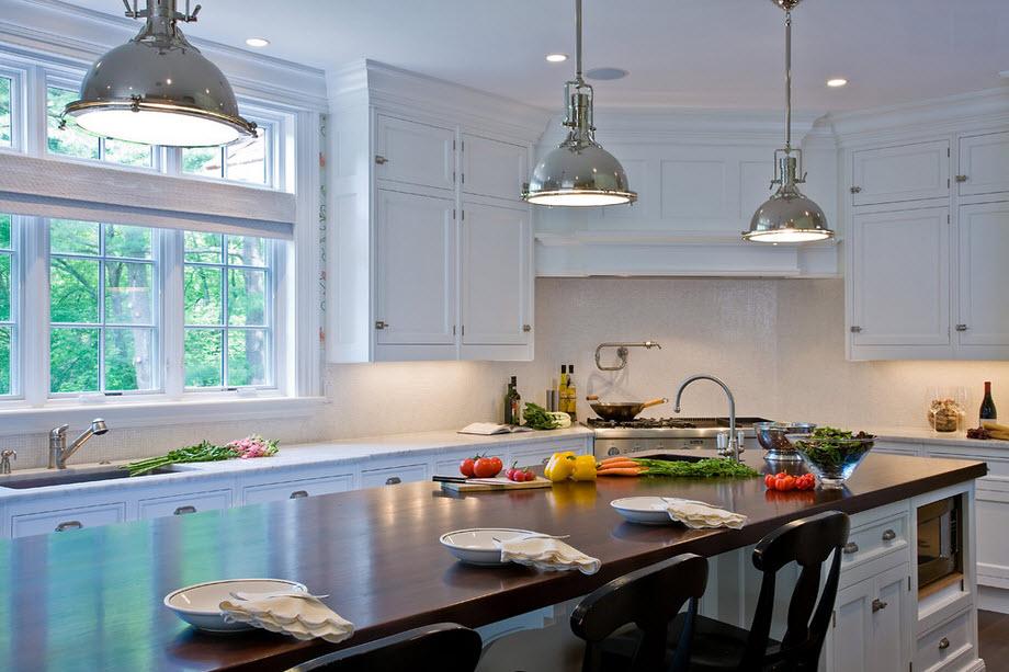 Классический стиль угловой кухни