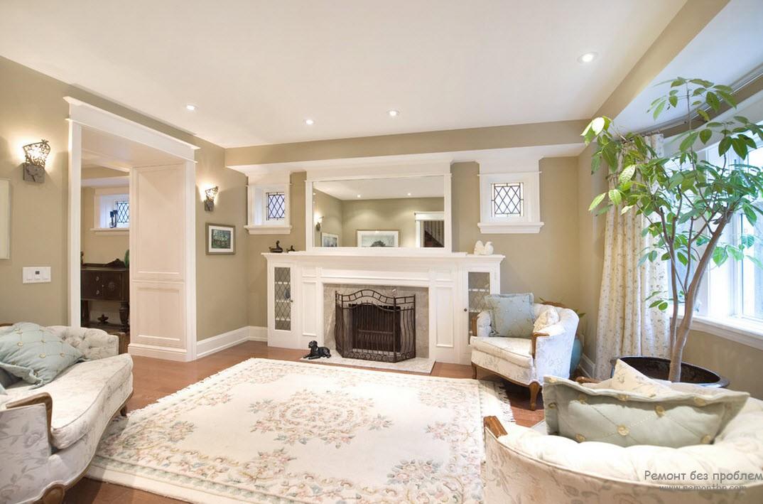 Сочетание бежевого с нейтральным белым оттенком в интерьере гостиной