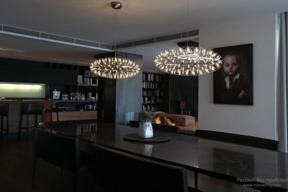 Стильный интерьер дома в темных тонах, Дизайн в черном цвете на фото