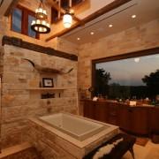 Дачная ванная комната из дикого камня