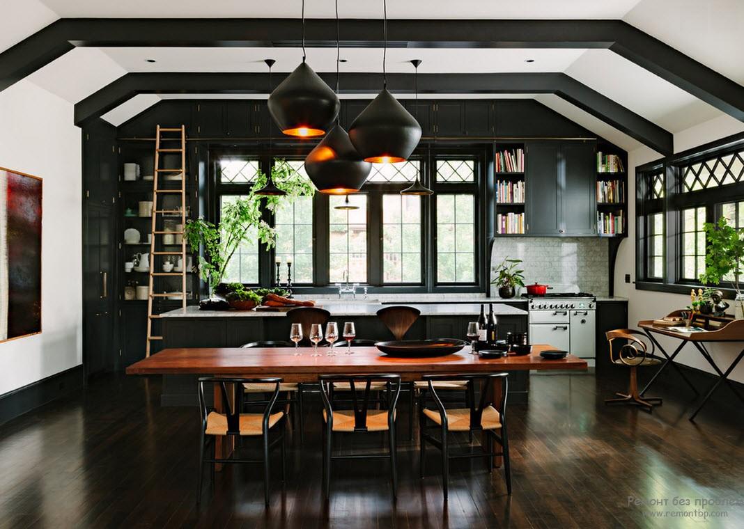 Свет в интерьере темной кухни