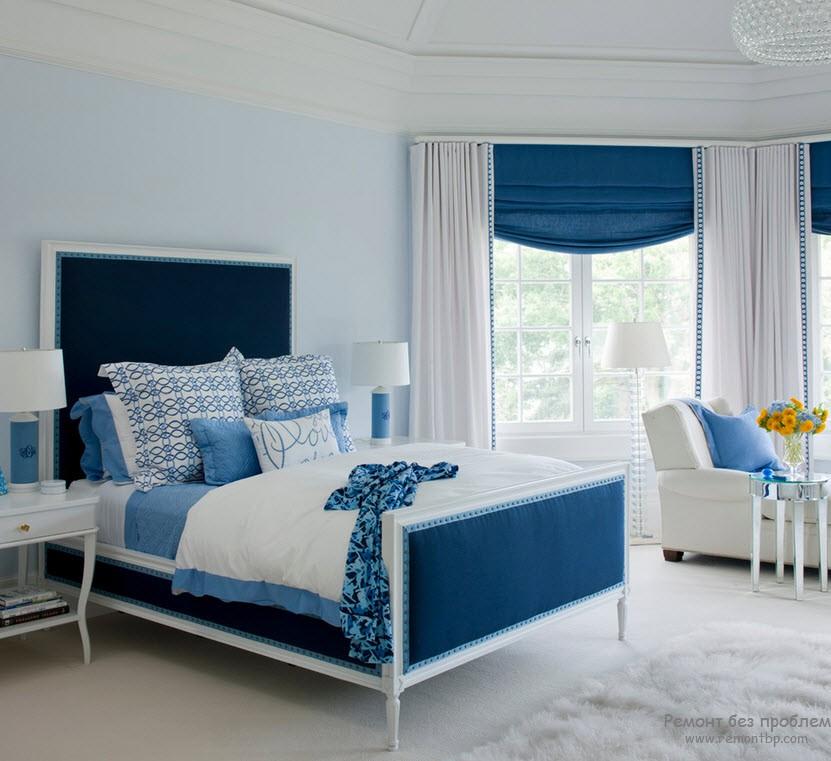 Ярко-синий в спальне