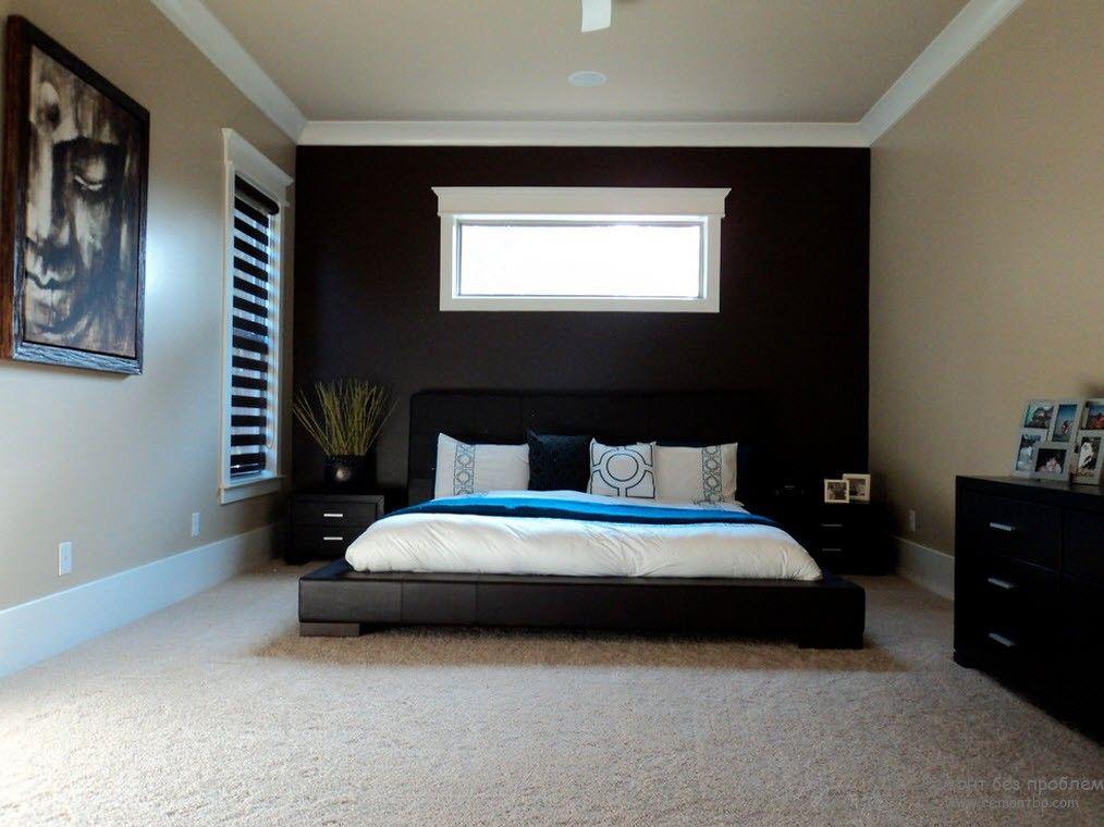 Низкая кровать в восточной спальне