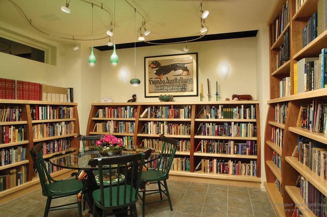 Использование шкафов и книжных полок для размещения библиотеки