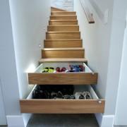 Ящики под лестницей
