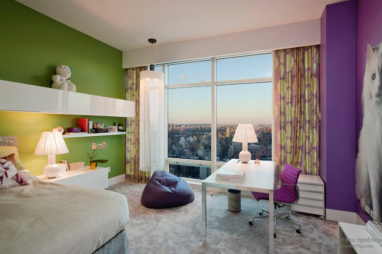Стены фиолетовая и зеленая