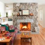 Камин в гостиной — символ домашнего очага и мечта каждого