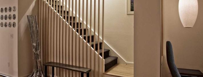 Идеи для использования пространства под лестницей