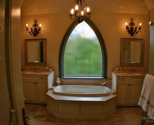 Оригинальные светильники в ванной