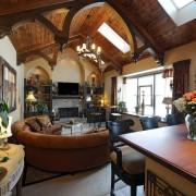 Оригинальный потолок в готическом стиле