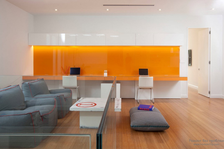 Сочетание оранжевого и белого цветов